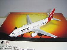 """Aeroclassics Qantas Airways B737-300 """"1990s color - Enterprise"""" 1:400"""