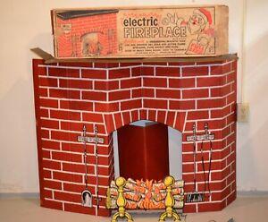 VINTAGE 1960'S CHRISTMAS ELECTRIC CARDBOARD FIREPLACE W/Box