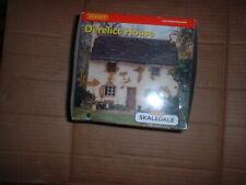 HORNBY SKALEDALE 00 GAUGE  R.8562 DERELICT HOUSE BUILDING  MINT/BOXED