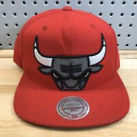 Chicago Bulls Logo NBA Basketball Hat Red Mitchell & Ness Snap Back Cap