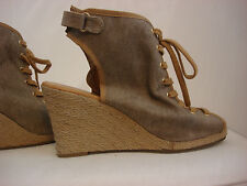 Woman Shoes Wedges Straw Raffia Size 8.5