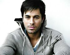 Enrique Iglesias Signed Autograph 10x8 Photo - Hero