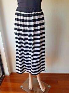ASOS Ladies Black White Stripe Knee Length Size: 16 EC