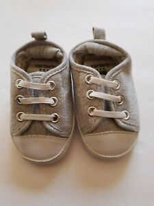 Carters Soft Sole Infant Boys Gray Crib Shoes Size 2