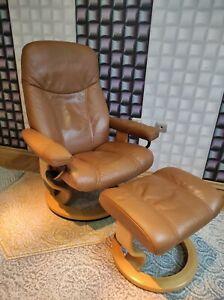 Ekornes Stressless Modern Leather Recliner Chair & Ottoman Medium 'Consul' Model