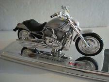Harley Davidson 2002 VRSCA  V - Rod  SILBER 1:18 Maisto