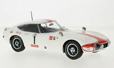 Toyota 2000gt, weiss/weiss, WEC, 24h Fuji , 1:18, Triple 9 Collection