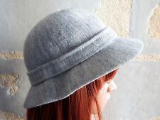 Chapeau forme cloche de chez KANGOL Made In England Design bleu gris chiné
