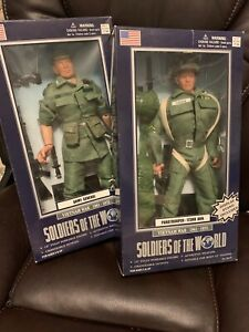Set of 2 Soldiers of the World Action Figures-Vietnam War Edition
