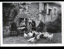 LAVAUD / LASCAUX (19) FILEUSES au ROUET , CORPS de FERME en 1982