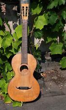 Sehr alte Gitarre, Sammlerstück
