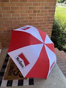 "New Vintage Marlboro Umbrella Auto Open Red & White Metal Closure 55"""