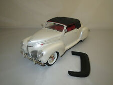"Signature Models  ""1939""  Lincoln  Zephyr  (creme-weiß-met.) 1:18 ohne Vp.!"