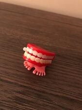 Wind Up CHATTERING Teeth/MOUTH Hopping Feet Classic Toy tested-working