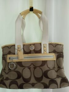 F14878 Coach Daisy Signature Collection Tote Khaki and Yellow Fabric pre-owned