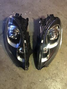 2015 2016 2017 2018 Porsche Macan S Turbo Left Side And Right Side Headlights