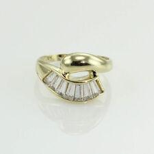 1.75ct. Largo baguette topacio blanco anillo de cóctel 10 Quilates Oro Amarillo