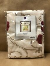 """Lush Decor Special Edition Royal Embrace One Valance Red/White 18"""" x 42"""""""