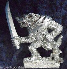 1998 skaven slave avec main arme 3 chaos ratmen citadel warhammer armée clanrat