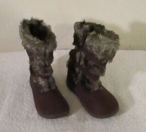 NEW Carters Bloom Infant Toddler Girls Faux Fur Winter Boots Brown MSRP$35