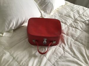 vintage overnight / vanity case red good condition for age