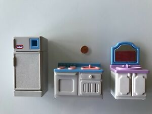VINTAGE LITTLE TIKES DOLLHOUSE SINK, STOVE and REFRIGERATOR FRIG