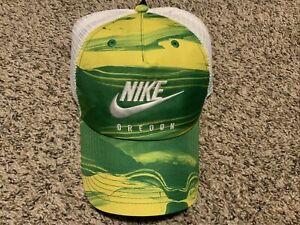 Nike Oregon Ducks 2020 Strapback Cap 1Size Green/Yellow NWT Hat
