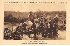 SPORT. n°54364.Expedition citroen.centre afrique.La croisiere noire.passage d'un