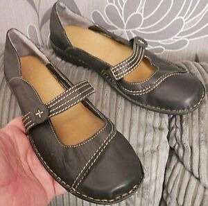 CLARKS BLACK LEATHER MARY JANES SLIP ON SHOES FLATS UK SIZE 6 D EURO 39 VGC