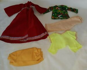VINTAGE IDEAL CRISSY FAMILY CLONE CLOTHING LOT $16.99