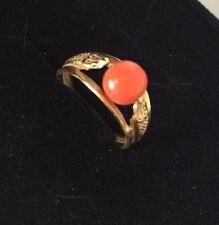 P7- Estate 18K Yellow Gold Salmon Coral Bead Ring Size 5.5 Snake Serpent Vintage