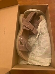 LADIES EARTH ORIGINS BIANCA SEDONA BROWN PIG SUEDE SPORT SANDALS SIZE 9 WITH BOX