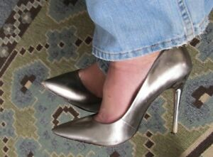 """5"""" CLASSIC ALL LEATHER PUMPS - SIZE 10"""