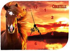 horloge pendule murale cheval chevaux personnalisé au choix réf F16