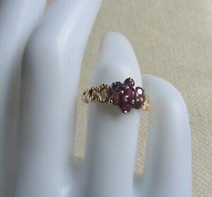 Vintage Garnet Flower Ring - 9ct gold