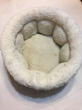 "Dog Cat Puppy Small Bucket Pet Bed 16"" Diameter 8"" Depth White Fuzzy Comfy"