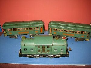 1925 Lionel peacock #10 Electric Locomotive w/ 339 &34. Tested Running well sc