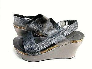 Pierre Dumas Womens Hester 8 Platform Wedge Sandals, Pewter US Size 9 M