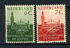 NEDERLAND D31/32 gestempeld 1951-1953 - Opdruk COUR PERMANENTE DE JUSTICE INTERN