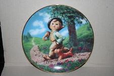 M. I. Hummel Strolling Along Danbury Mint Porcelain Plate L0590 Gentle Friends
