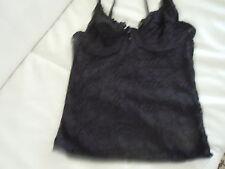 Markenlose Damenunterwäsche aus Polyamid ohne passende Höschen/Slips