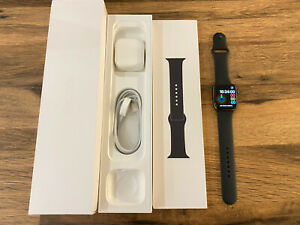 Apple Watch Series 4 44mm Space Grey Aluminium Case with Black Sport Band (GPS)