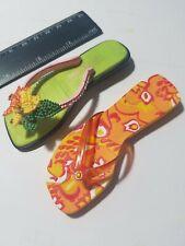 Raine Just the Right Shoe Aloha 25338 Mahalo 25174 No Box