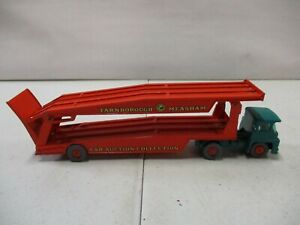 Matchbox Guy Warrior Tractor Major Pack No. 8 and Car Transporter