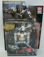 Transformers Generations Combiner Wars Protectobot Groove Action Figure