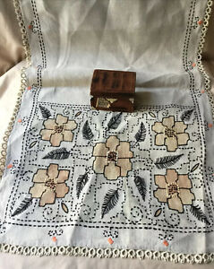 Vintage Arts & Crafts Hand Embroidered Table Runner Mission Era Tatting Lace