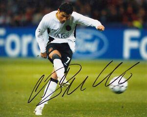 Football - Cristiano Ronaldo - Signed 8x10 Photo -Manchester United - COA