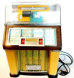 Crosley Collectors Edition AM FM Radio Jukebox Model 1960 & Cassette Player