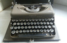 VINTAGE IMPERIAL - GOOD COMPANION - MODEL T - PORTABLE TYPEWRITER - CASED