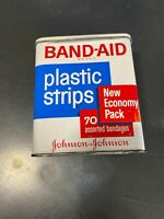 VINTAGE  BAND-AID TIN EMPTY J&J plastic strips